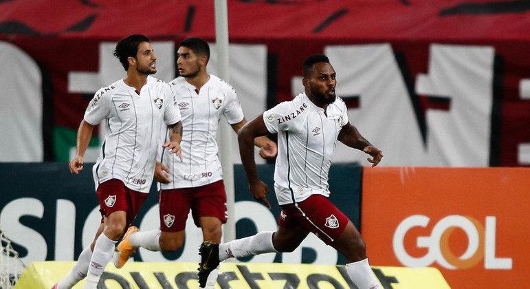 Luccas Claro comemora gol do Fluminense sobre o Flamengo