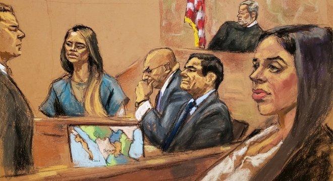 Lucero Guadalupe Sanchez Lopez (esq.) depôs diante da esposa de Chapo (dir.)