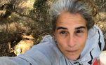 Nos últimos meses, durante a quarentena, ela decidiu assumir os cabelos brancos. No dia 24 de julho, em publicação nas redes sociais, a atriz exaltou o espírito