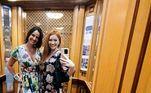 Luciana e a atriz e cantora Gabriela Petry têm compartilhado com os internautas fotos da viagem de luxo