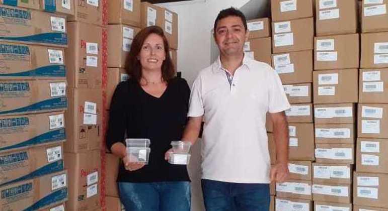 Luciana e o marido, Alexandre: vendas de embalagens plásticas sextuplicaram na pandemia