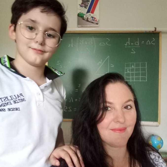 Luciana acompanhou todas as atividades online de Luan, 11 anos