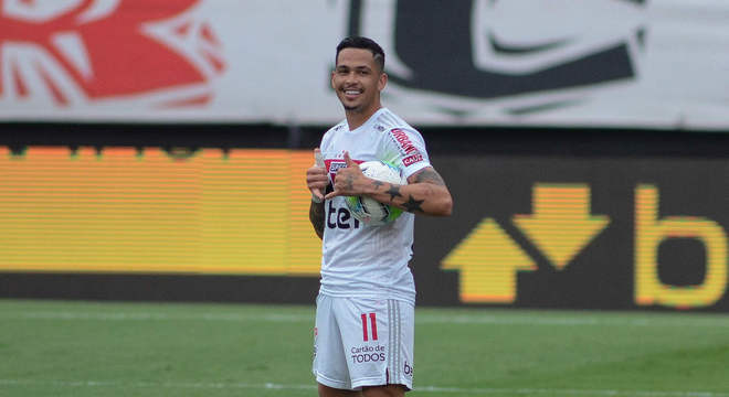Luciano (2020/2021 - 14 gols) - Destaque e artilheiro do time no Brasileirão, Luciano já deixou sua marca 14 vezes em 25 jogos pelo São Paulo. O camisa 11 chego ao clube na quarta rodada da competição, vindo do Grêmio.