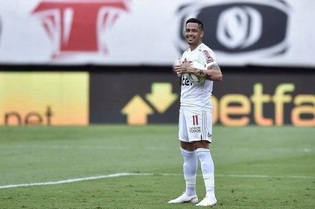 Luciano marcou para o São Paulo