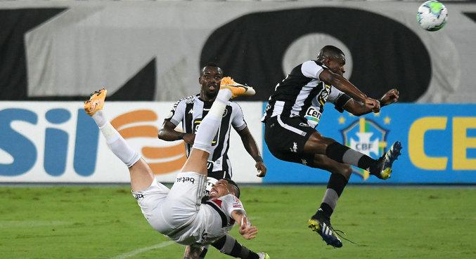 São Paulo se complicou em partida contra Botafogo no Nilton Santos