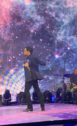 Luciano Camargo durante gravação de especial para a Record