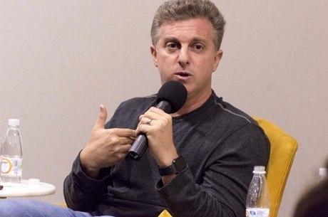 Financiamento de jatinho no BNDES foi 'transparente', dizLuciano Huck