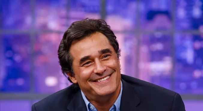 Luciano Szafir foi diagnosticado com covid-19 pela 2ª vez