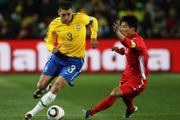Pentacampeão mundial com a Seleção Brasileira, LÚCIO, que encerrou a carreira no ano passado, revelou que é torcedor do Vasco. Porém, jamais desembarcou na Colina.