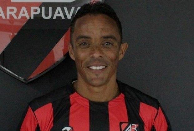 Lúcio divide a sétima posição com Arce, também com 25 assistências. O lateral-esquerdo defendeu o Palmeiras entre 2003 e 2007.