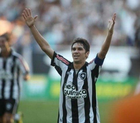 Lucio Flavio - Ex-Botafogo, o meia jogou 66 jogos na Copa do Brasil durante sua carreira. Porém, ele não conquistou a competição.