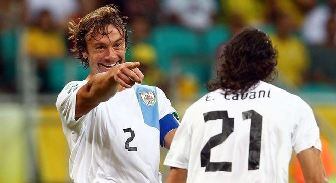 Lugano foi parceiro de Cavani na Seleção Uruguaia