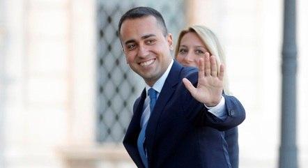 Luigi Di Maio busca novo local para embaixada italiana
