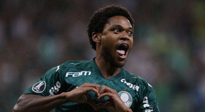 Destaque do Palmeiras, Luis Adriano quer começar com três pontos no nacional