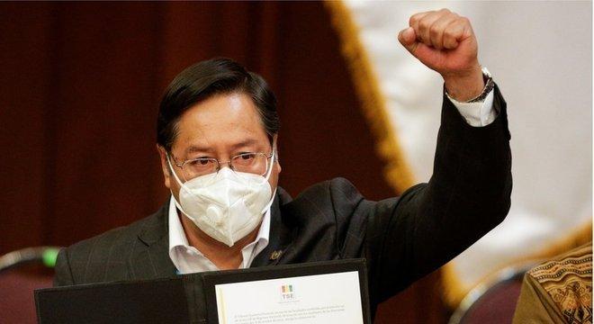 Partido de Luis Arce alega que ele sobreviveu a ataque com explosivo
