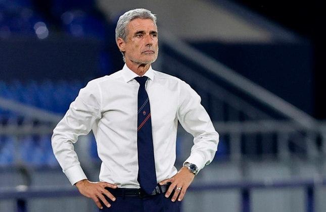 Luís Castro – português – 59 anos – último clube que treinou foi o Shaktar Donetsk, saiu em maio de 2021 – principais feitos como treinador: foi campeão da Ucrânia (Shaktar Donetsk).