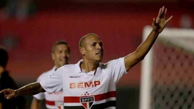 Luís Fabiano: 8 gols em 2003 - O atacante já havia sido o artilheiro de uma edição de Paulistão em 2003, quando o time foi vice-campeão.