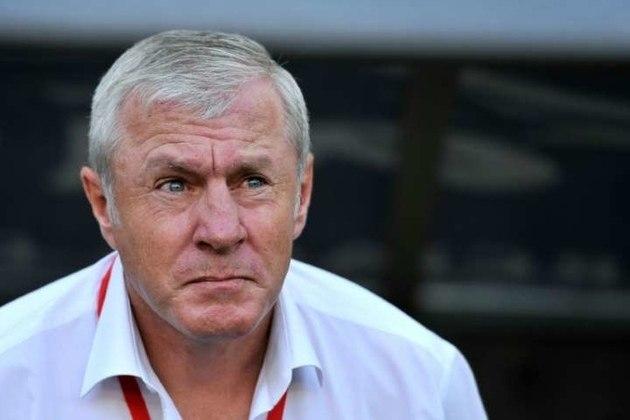Luis Fernandez – francês – 61 anos – sem clube desde que deixou o PSG, em junho de 2018 – principais feitos como treinador: conquistou um Campeonato Francês (PSG).
