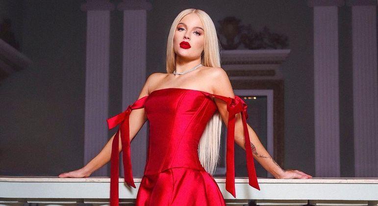 Cantora saiu em defesa da namorada do ex-marido
