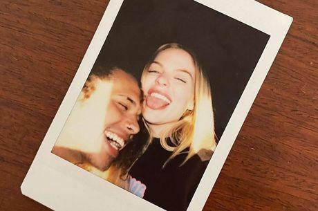 Luísa Sonza e Vitão publicaram a mesma foto