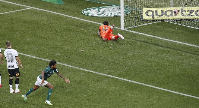 Luiz Adriano marcou aos 3 minutos do 2º tempo na final entre Palmeiras x Corinthians