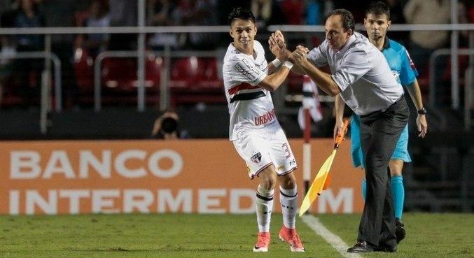 Luiz Araújo era peça fundamental para Ceni. O inseguro Leco o vendeu, sabotando o time