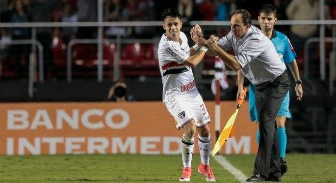 Luiz Araújo viveu bom momento sob o comando de Rogério Ceni