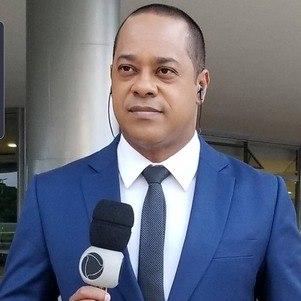 """Luiz Fara Monteiro apresenta o """"Câmera Record"""""""
