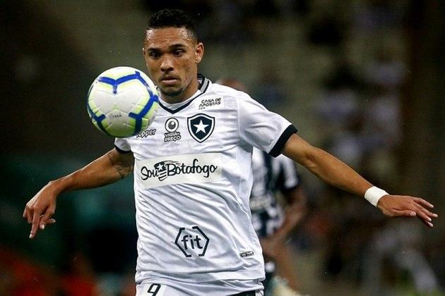 Luiz Fernando – atacante – 24 anos – emprestado ao Grêmio até dezembro de 2021 – contrato com o Botafogo até dezembro de 2021