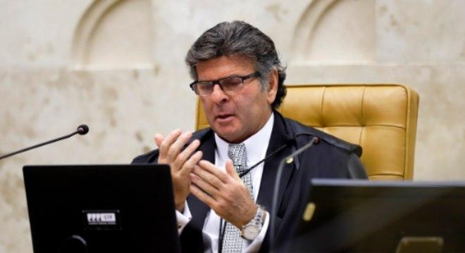 O presidente do STF, ministro Luiz Fux, em sessão plenária