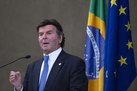 Luiz Fux assume presidência do STF e do CNJ