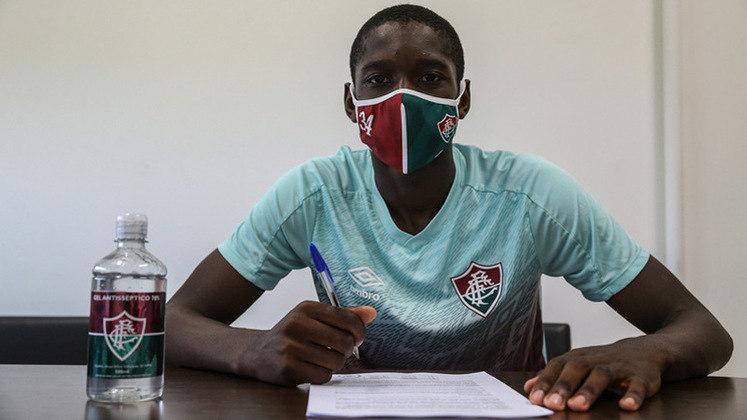 Luiz Henrique, de apenas 19 anos, é atacante do Fluminense e tem valor de mercado avaliado em 2 milhões de euros (R$ 13 milhões). Seu contrato é longo, até setembro de 2025.