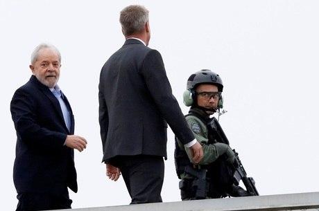 Lula foi condenado a 12 anos e 1 mês de prisão