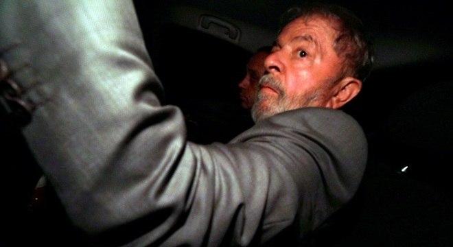 Decisão do Supremo abre caminho para a prisão do ex-presidente Lula