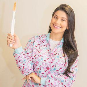 Luiza é dentista e faz especialização de odontopediatria