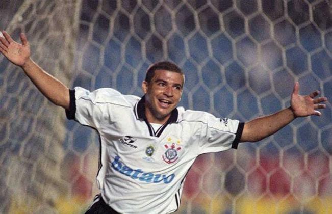 Luizão: o atacante despontou na Copinha de 1994, quando foi campeão pelo Guarani. Ele teria uma carreira vitoriosa, com duas Libertadores e a Copa do Mundo de 2002 pela seleção