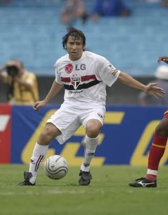 Luizão - o atacante foi campeão paulista e da Libertadores com o São Paulo em 2005, marcando gol na final.