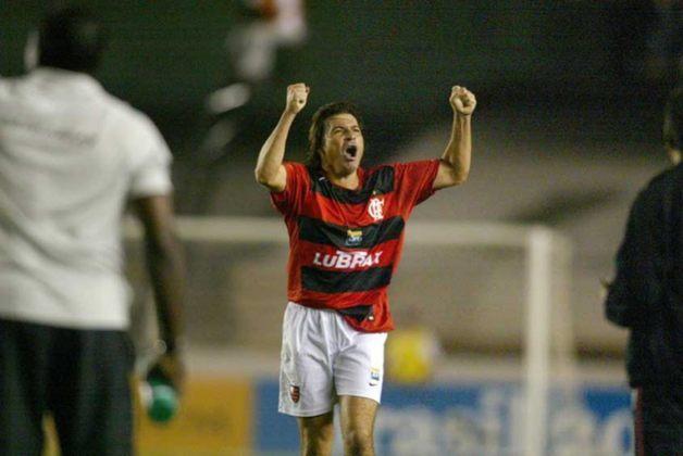 Luizão também venceu pelos dois. Campeão paulista pelo Palmeiras em 1996 e campeão da Copa do Brasil com o Flamengo em 2006.