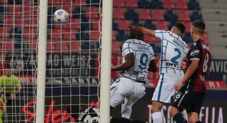 Detalhe do gol decisivo de Lukaku