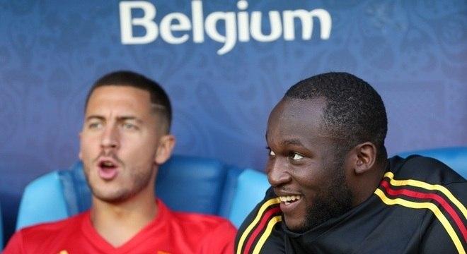 Lukaku (à direita) ficou no banco de reservas no 1º encontro com a Inglaterra