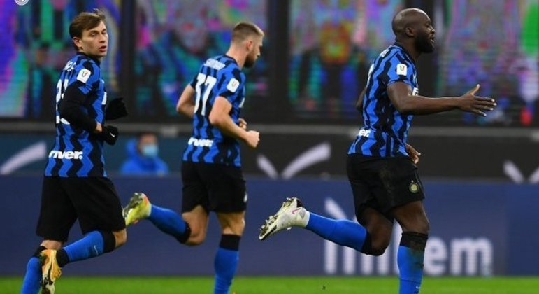 Lukaku lidera a comemoração do empate da Inter