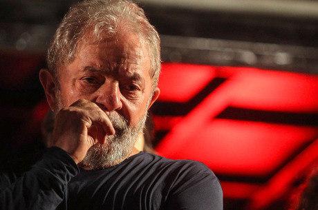 Lula tem até as 17h de sexta para se entregar à PF no PR
