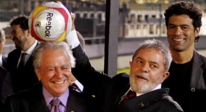 Lula foi fundamental para tirar o Morumbi da Copa. E pela construção do Itaquerão
