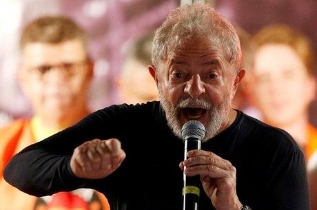 Lula pode ser preso pela PF se não se entregar até às 17h