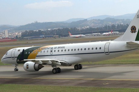 Lula será levado para Curitiba em avião da FAB