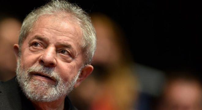 Há uma resistência crescente à estratégia de transferência de votos do ex-presidente Lula, mas PT conseguiu se recuperar parcialmente do impeachment e da perda de 60% das prefeituras em 2016