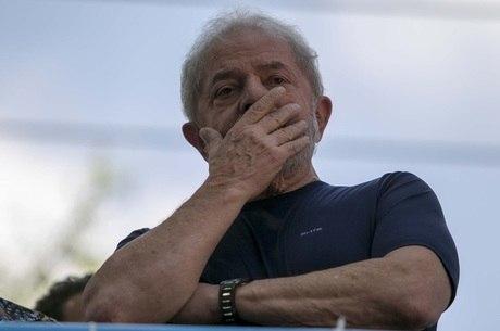 PT ainda tenta emplacar Lula como candidato