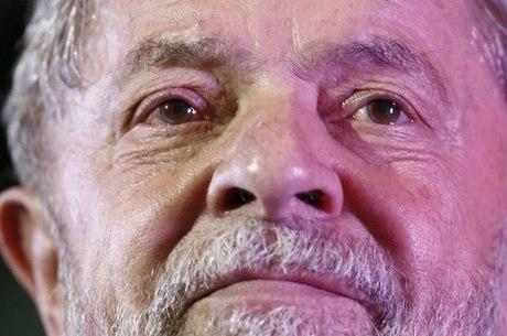 TRF-4 vai analisar recursos finais da defesa de Lula na próxima segunda-feira - mas uma eventual prisão só poderia acontecer após julgamento de habeas corpus ser concluído no STF