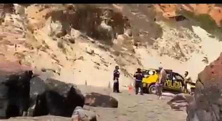 Polícia isolou parte de praia para Lula tomar banho de mar com namorada