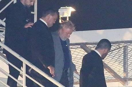 Lula foi levado de helicóptero até Curitiba